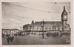 PARIS  Gare De Lyon - Transport Urbain En Surface