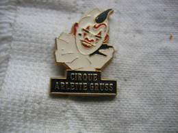 Pin's Du Cirque Arlette GRUSS - Pin's