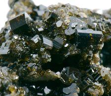 Minerals - Vesuviana (Bellecombe, Aosta, Italia) - Lot. 4 - Minerali