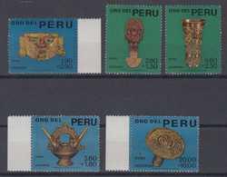 Peru Mi# 669-73 ** MNH Gold Of Chimu Indians 1966 - Peru