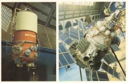 CPA - Le Pavillon Cosmos Moscou - Satelite Molnia Et Satelite Météor 2 - Astronomie