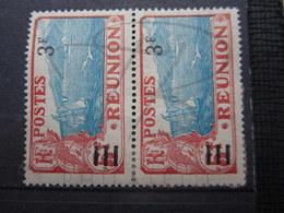 VEND BEAUX TIMBRES DE LA REUNION N ° 106 + 106a SE TENANT , (X) !!! - Reunion Island (1852-1975)