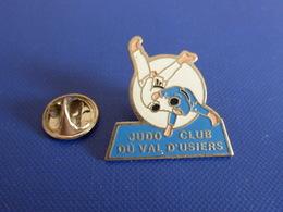 Pin's Judo - Club Du Val D'usiers (PB10) - Judo