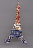 Pin's Paris La Tour Eiffel  Réf 2269 - Villes