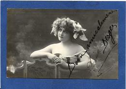 Autographe Signature à L'encre Lisette BERGER Bordeaux Cachet à Sec Du Photographe Sur Carte Postale - Autographes