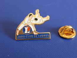 Pin's Judo - Club De Ludres - Supermarché Leclerc (PB20) - Judo