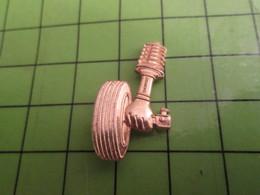 1218a Pin's Pins / Rare Et De Belle Qualité / AUTOMOBILES / ROUE ET AMORTISSEUR METAL JAUNE - Other