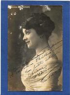 Autographe Signature à L'encre Sur Carte Postale Sylviane D'Avricourt - Autographes