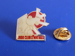 Pin's Judo - Club St Saint Mathieu (PT65) - Judo