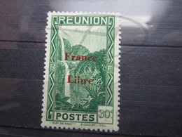 "VEND BEAU TIMBRE DE LA REUNION N ° 227 , "" B "" BRISE , X !!! - Reunion Island (1852-1975)"