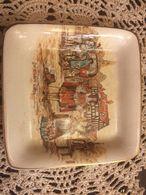 Piattino Decorato Con Paesaggio Fiammingo Dama E Cavaliere - Sandland Ware - Ceramics & Pottery