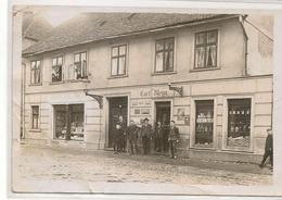 Neustrelitz - Mitarbeiter An Der Tür Der Apotheke -  1908 POSTCARD To JENISON - USA - Neustrelitz