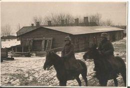 Photo Werhmacht WW2 , Soldats En Casque à Cheval . 1940 - 1939-45