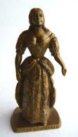 FIGURINE PUBLICITAIRE MOKAREX - LE GRAND SIECLE LOUIS XIV - 03 - MME DE MONTESPAN (2) Sans éventaille - Figurines