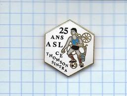 Pin's Pins / THEME- 25 ANS Le Club - A.S.L. C.E. THOMSON SINTRA ASM - FFF  ( Football ) - Football