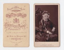 CDV Photographie , 19ème 1888, Géruzet Frères Bruxelles, Photographes De SM La Reine Des Belges Sur Voltaire - Old (before 1900)