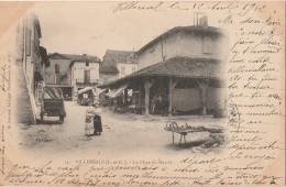 R30- 47) VILLEREAL (LOT EE GARONNE) LA PLACE DU MARCHÉ  - (ANIMÉE - ÉTALS - OBLITERATION DE 1902 - 2 SCANS) - France