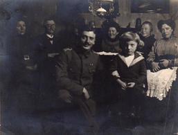 Tirage Photo Albuminé Guerre 1914-18 - Permission D'un Soldat Allemand En Famille En 1916 - Vater-Wolfgang - Légende Dos - Guerra, Militares