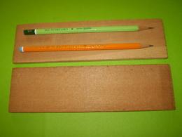 Usine Des Crayons Conté à Régny,Loire, Planchettes En Bois De Californie Pour Fabrication Des Crayons à Papier. - Autres Collections