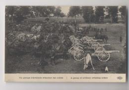 Un Groupe D' Artilleurs Attendant Les Ordres - Canons - Animée - Guerre 1914-18