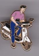Pin's Scooter Signe Arthus Bertrand - Cities