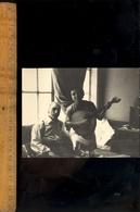 Photographie Originale : Jeune Femme Joue De La Guitare Mandoline LISBONNE 1956 Lisboa Portugal - Objects