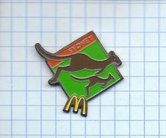 Pin's Pins / McDONALD'S McDO Mac Donalds SYDNEY Kangourou & Bébé Kangourou - McDonald's