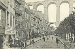 MORLAIX  -  La Place Thiers Et Le Viaduc....                                -- ND 76 - Morlaix