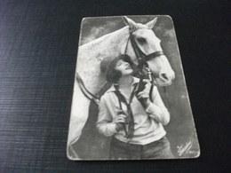 CAVALLO HORSE IN PRIMO PIANO CON DONNA PIEGA ANG. - Pferde