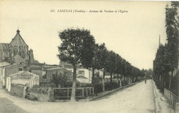 85 - Aizenay - Avenue De Verdun Et L' Eglise - Aizenay