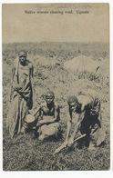 Native Women Cleaning Road Uganda Edit Alfred Lobo - Ouganda
