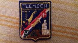 ECUSSON TISSU TLEMCEN ALGERIE BLASON ARMOIRIES  VOIR AUTRES MODELES DANS MA BOUTIQUE ET CELLE ULTIMA31 - Blazoenen (textiel)
