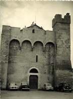 040918B - PHOTO 1959 - 13 SAINTES MARIES DE LA MER Place Tour Crénelée - Saintes Maries De La Mer