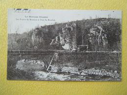 DUN LES PLACES. La Cure. Les Roches Du Bornoux Et Le Pont Du Monthal. - France