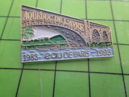 1218B Pin's Pins / Rare Et De Belle Qualité / BOISSONS : EAU DE PARIS 1983 1993 AQUEDUC DE L'AVRE - Beverages