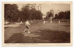 Sports -- TENNIS Des Enfants  à VITTEL - 88 (très Animée) - Tennis