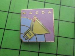 1218B Pin's Pins / Rare Et De Belle Qualité / MARQUES : AMPOULE ELECTRIQUE MAZDA Da Da Da ! - Trademarks
