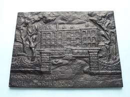 Hôtel Du GRAND CHEF MONDORF-les-BAINS - LUXEMBOURG ( Plaque Brons/Zamac +/- 21,5 X 16,5 Cm. F.A.M. Hersch ) +/- 1,6 Kg.! - Bronzes
