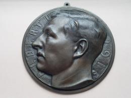 ALBERT 1er - 1915 ( Leon VOGELAAR ) *** ( Plaque Koper/Brons +/- 15 Cm. ) Prop. REY Frères Bruxelles +/- 470 Gr. ! - Bronzen