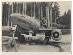 Photo 23,8 X 17,9 Cm Des Années 50 D'un Avion Allemand à Réaction MESSERSCHMITT Me 262 Dans Les Bois Entre Nancy Et Toul - Francia