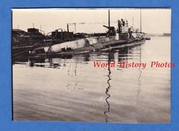 Photo Ancienne D'un Soldat Américain - BREST - Sous Marin Au Port - 1919 - Marine US ? - Militaire Submarine Boat U - War, Military