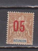 REUNION       N°  YVERT  :    76  NEUF AVEC  CHARNIERES      (  CH 23  ) - Réunion (1852-1975)