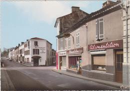 ( R7)CHARENTE MARITIME , MIRAMBEAU , La Grand'rue Et L'hotel De L'union - Mirambeau