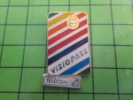 1218c Pin's Pins / Rare Et De Belle Qualité / FRANCE TELECOM / VISIOPASS CARTE A PUCE ARC-EN-CIEL - Administrations