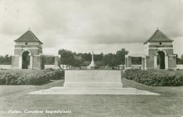 Holten 1966; Canadian Cemetery W.W. II - Canadese Begraaplaats W.O. II - Gelopen. (v. D. Maat - Holten) - Holten