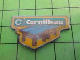 1218c Pin's Pins / Rare Et De Belle Qualité / SPORTS : TABLE DE PING-PONG TENNIS DE TABLE CORNILLEAU - Billiards