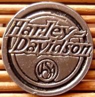 Joli Pin's Harley Davidson, Très Belle Qualité, Pins Pin. - Motorbikes