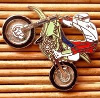 Joli Pin's Moto De Cross, Démons & Merveilles, Très Belle Qualité, Pins Pin. - Motorbikes