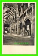 LAUSANNE, SUISSE - CATHÉDRALE DE LAUSANNE - LE BAS-CÔTÉ NORD DE LA NEF - ÉCRITE EN 1959 -  PHOTO, G. DE JONGH - - VD Vaud