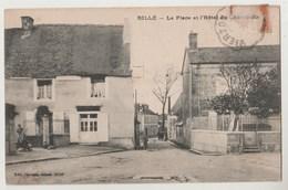 CPA 37 RILLE La Place Et L' Hôtel Du Cheval Blanc - France